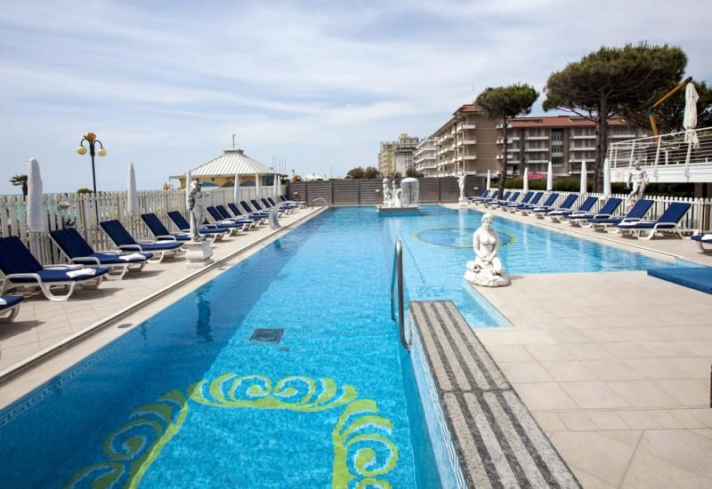 Hotel con piscina jesolo - Hotel torino con piscina ...